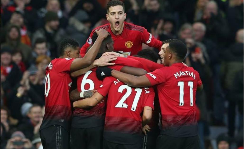 Manchester United will aim to put further pressure on the top four